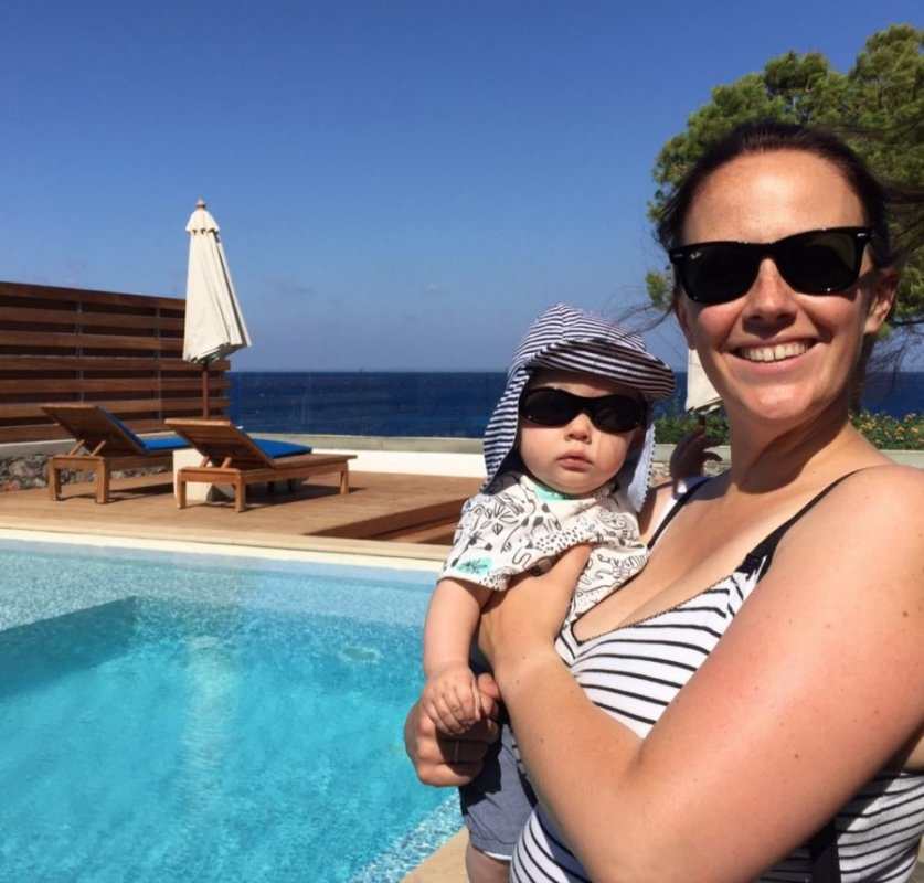 Cut your holiday baggage down and travel light as a family. If you've got a summer vacation booked with kids then these tips to help reduce your packing will help. Got a baggage allowance that's low? Want to know how to pack light? We share our top tips on taking a trip with minimal bags as a family.