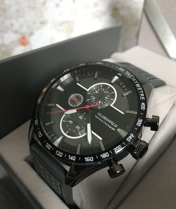 Review Globenfeld Seal Grey Chronograph Sports Watch