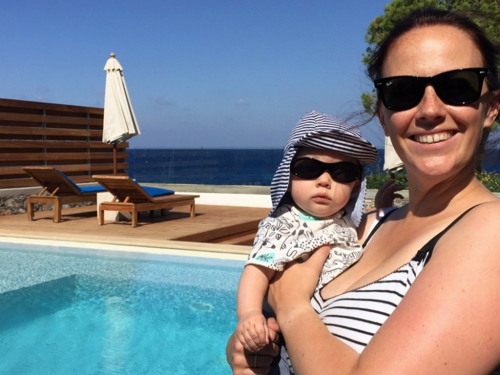 Looking for a family holiday for less money? Travelling with children can be expensive with flights and hotels involved. We share some of our top tips for making going on vacation with kids more affordable and less expensive. From how to book through to how to pay; your trip just got a lot cheaper!