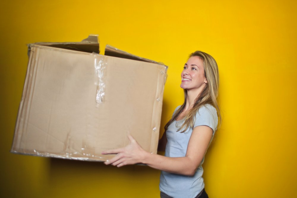 Moving house? It doesn't have to be stressful. Make the removals process as stress free as possible with these tips. If you're buying a new home or selling your old one, you'll want to enjoy the home owning process. We cover suggestions on organising a house move, dealing with kids whilst moving and using removals companies. Remove the stress so you can focus on packing boxes and getting your house move sorted
